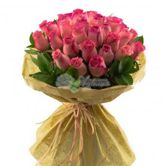 Букет из 33 роз в упаковке